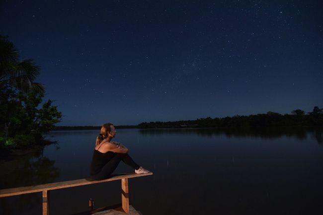 Ella y El Universo!!! Sigue soñando y viajando por el universo a toda velocidad, encontrarás mucha belleza y felicidad. @shivaluisa OpenEdit EyeEmbestshots Sky Collection Nightphotography