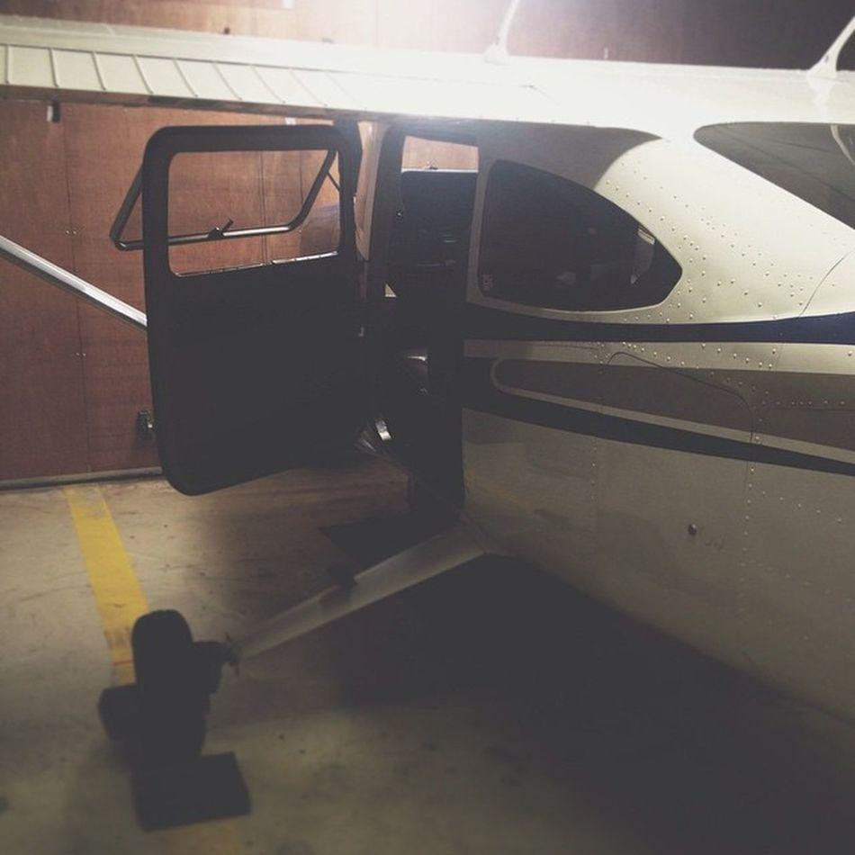 alguém quer vir dar uma voltinha?! filmagens de hoje Avião Camera Action Documentário 4K