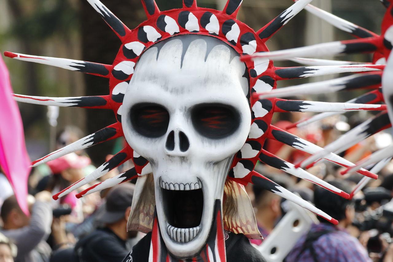 Culture And Tradition Dıa De Muertos Mexico Mexico City Parade Skull Tradition Traditional Culture
