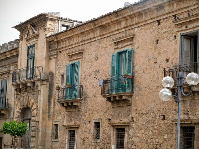 Leonforte Italian Architecture Sicily Architecture_collection Old City Street Photography Travel Photography Lookingup