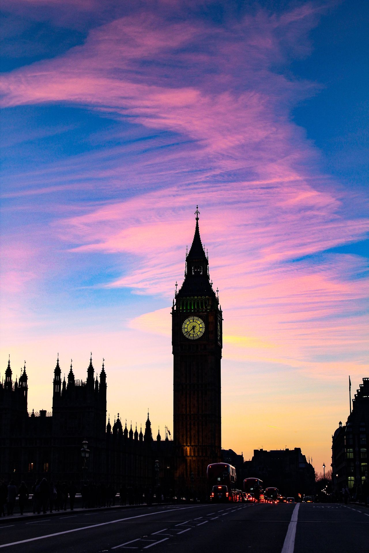 Somebody was painting the sky tonight 🔥 Clock Tower City Travel Destinations Sunset Architecture Clock Dusk Sky Tower Cityscape Cloud - Sky Silhouette Building Exterior City Life Outdoors History Time Tree No People London Big Ben Nature Sunlight