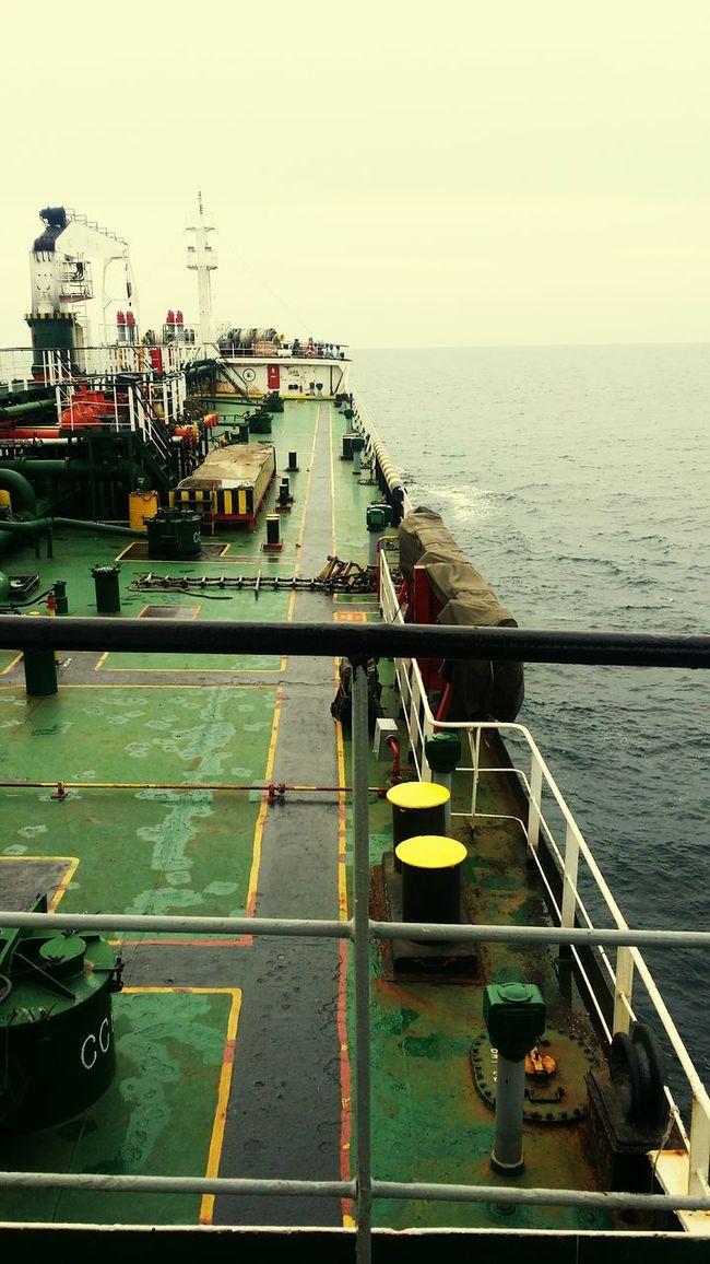 Straits of malaka .. laluannye tenang ..bagai jiwa yg tenang .. Shiplife Feeling Thankful Tanker Ship Sailing Ship