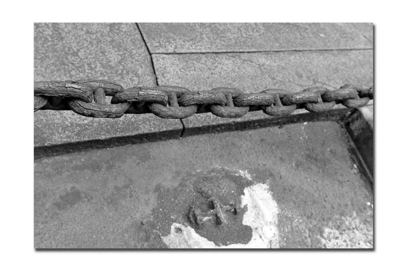 Chain Link Barrier @ Fort Point 3 Waterfront♥ San Francisco CA🇺🇸 Promenade Coastline Monochrome Photograhy Monochrome Chain Antique Chain Link Close-up Concrete Metal Black & White Black And White Photography Black And White Black And White Collection  Fort Point Still Life Photography Corrosion