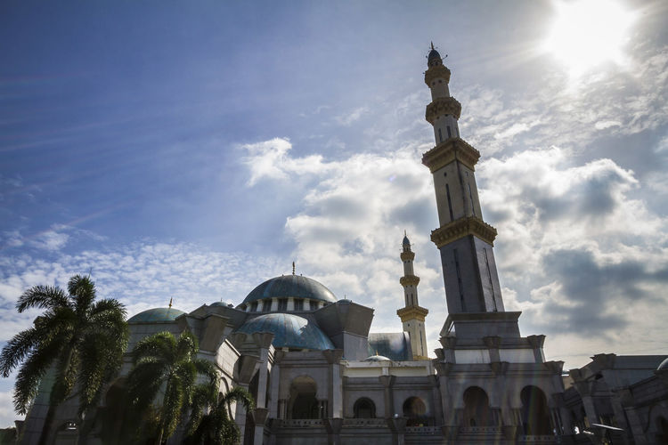 Masjid Wilayah Persekutuan Architecture Building Exterior Built Structure Domes Eid Eid Mubarak History Islam Islamic Architecture Islamic Design Masjid Masjid Wilayah Persekutuan Minaret Minarets Mosque Ottoman Sky And Clouds Sun Tiles