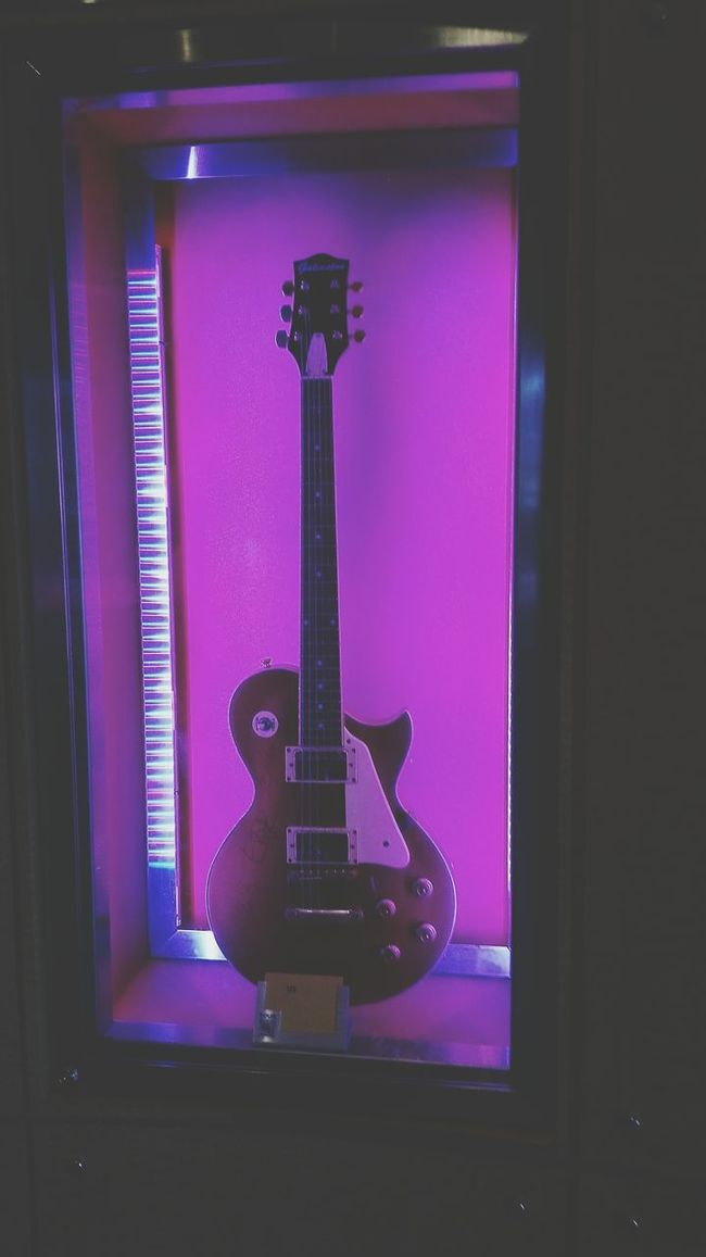 PINKY Rock N Roll Jam Rock N' Roll  Taking Pictures Purple Man Made Object Gibson Club Les Paul