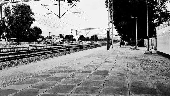 Khairthal Alwar Rajasthan India Railwaystation Railroad Track Railroad Station Platform Beautiful Day Beautiful View Note3