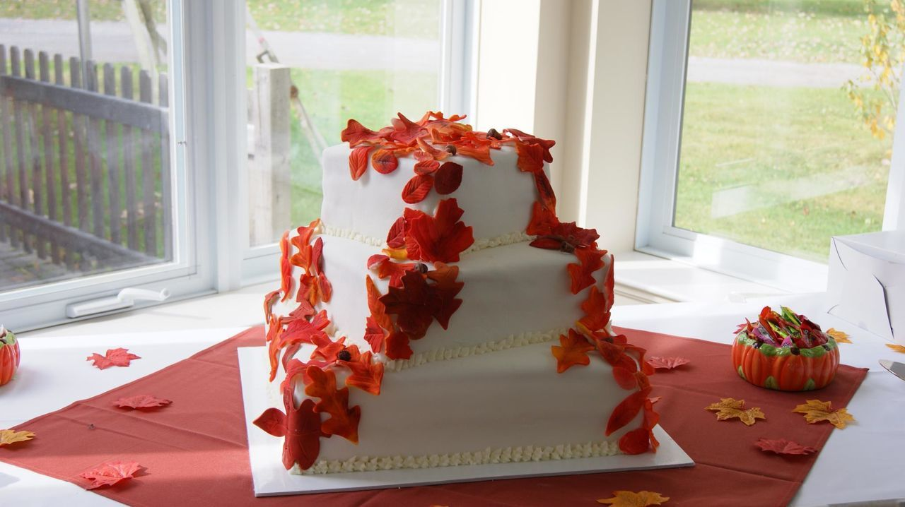 Cake Celebration Fall Leaves Red Sweet Tiers Wedding