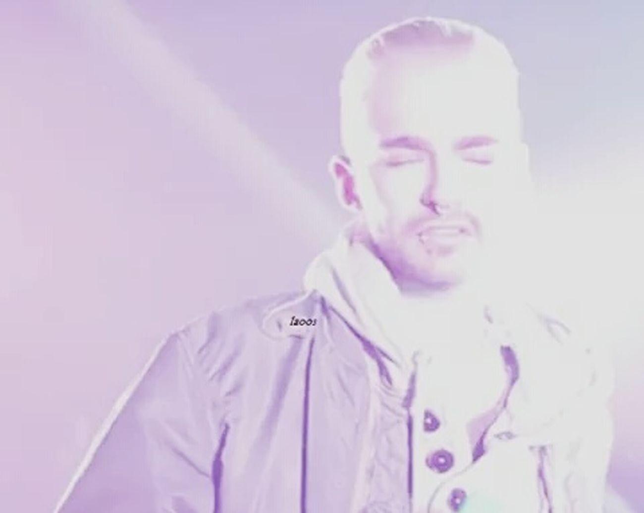 Open eyes blinded by the city lights... Bill Kaulitz Tokio Hotel Fia World Tour