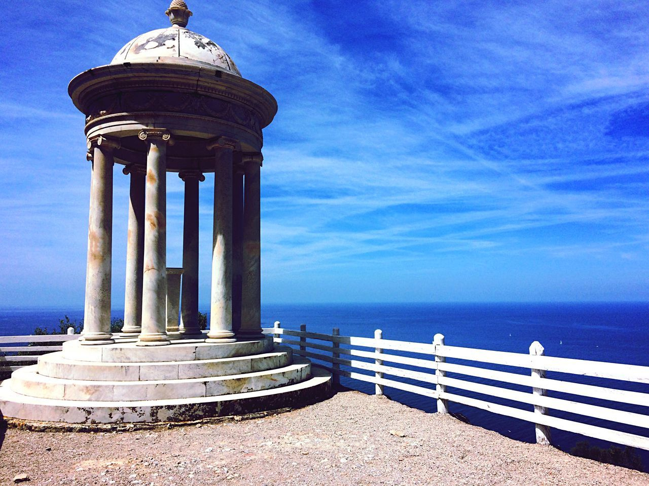 sea, horizon over water, sky, water, blue, architectural column, architecture, built structure, outdoors, day, no people, nature, beauty in nature