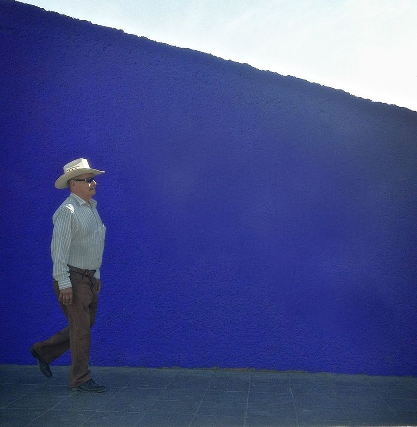 Macroplaza Balance Carefree City Life Hat MacroplazaMty Mexicancolor Norestense One Person Purple Urban Walking