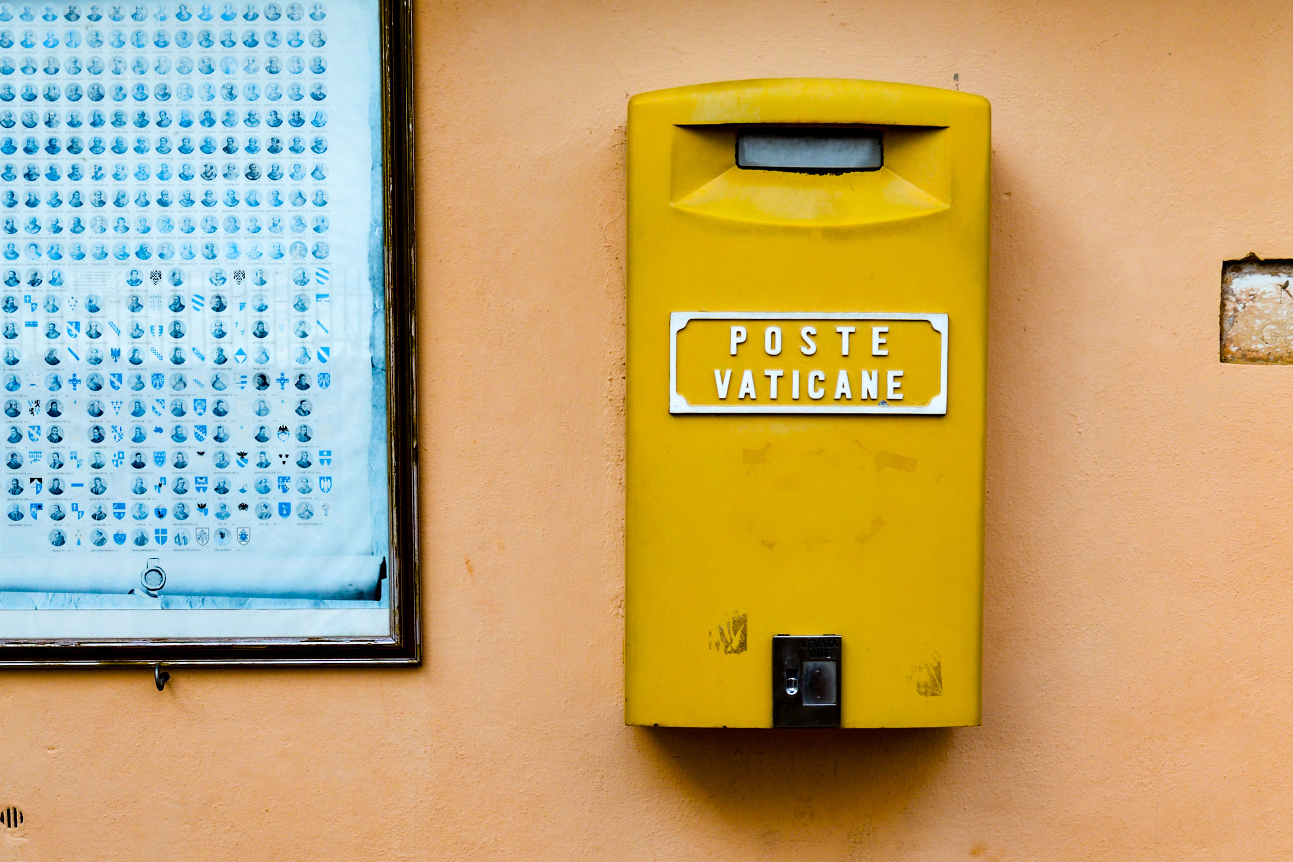 yellow, communication, text, built structure, close-up, outdoors, no people, architecture, day