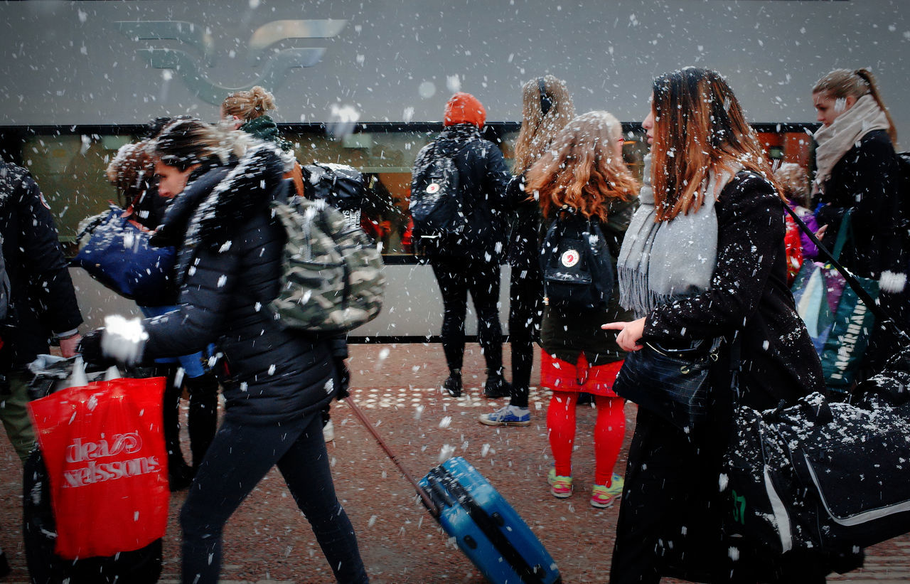 snowing, outdoors, motion, water, day, adult, snow, sport, cold temperature, people, warm clothing, adults only, young adult