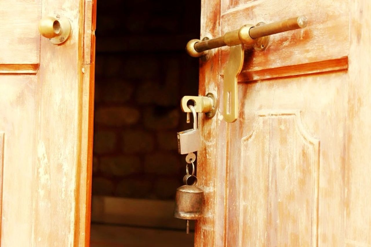 The Great Outdoors - 2017 EyeEm Awards Wooden Lock Home Safety The Great Outdoors With Adobe Pgotography Close-up Tight Village Outdoors