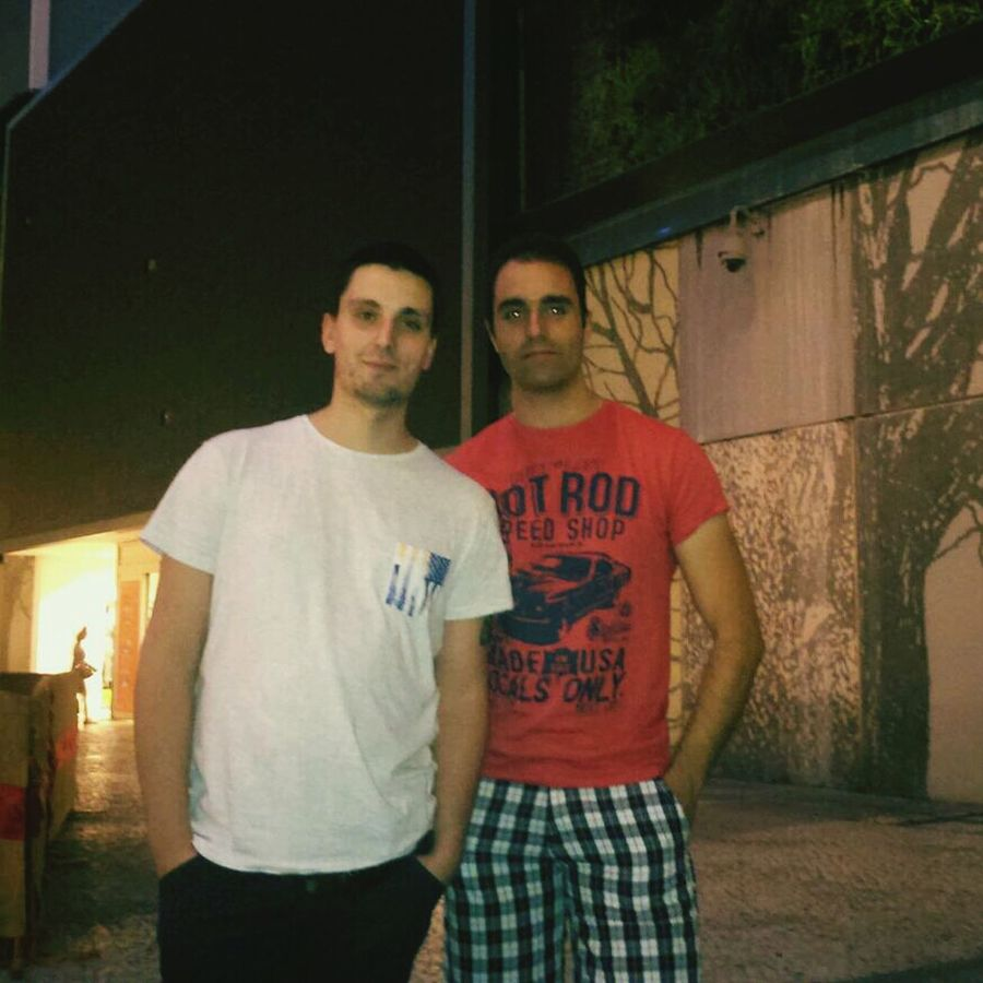 Cu meu friend pisco Dolcevita  Relaxing Meeting Friends Taking Photos