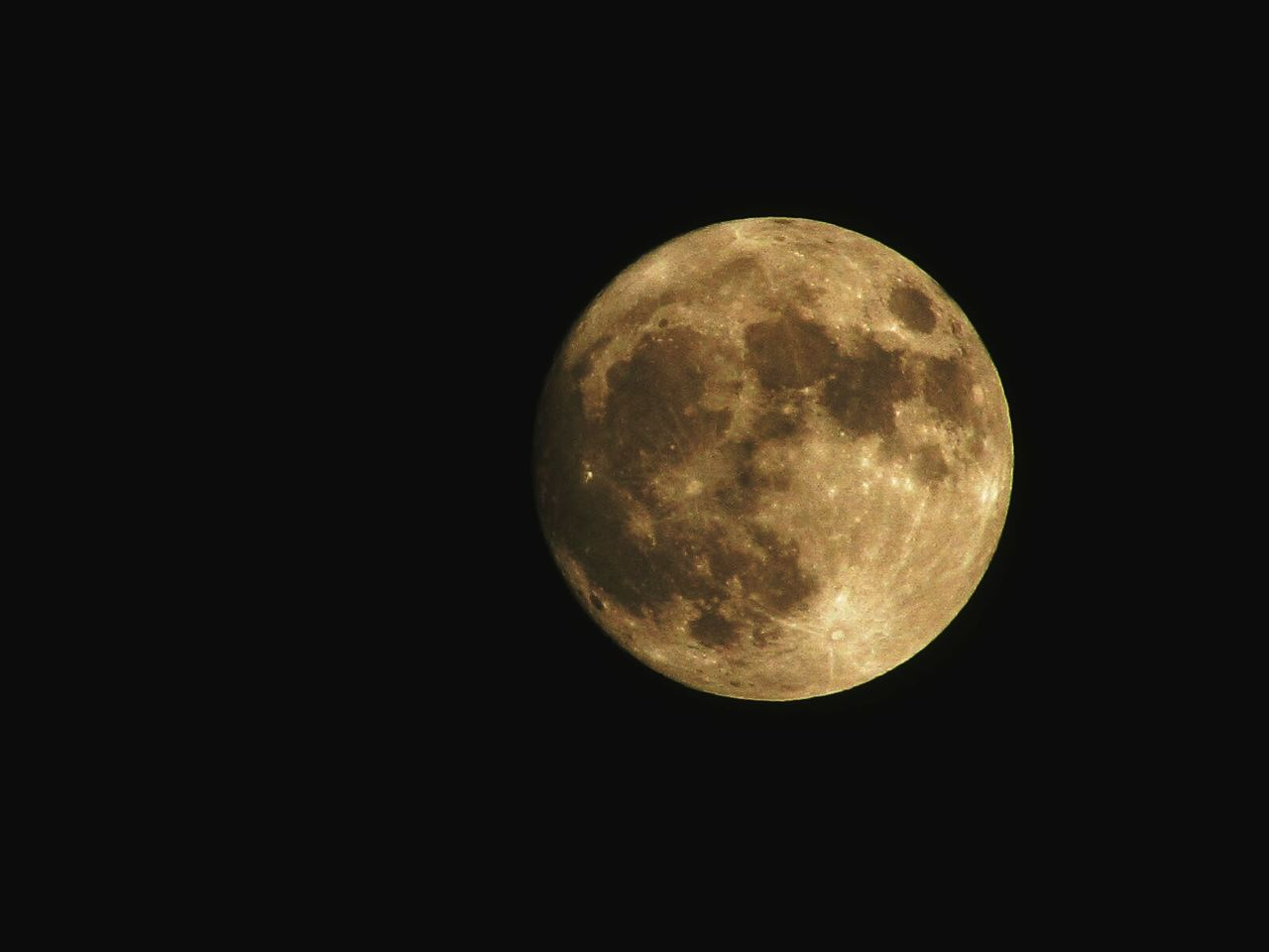 Super moon, see you in 2034 Full Moon Super Moon 2016 Black Background Moon Surface EyeEm November Getting Inspired EyeEm Best Shots Close-up