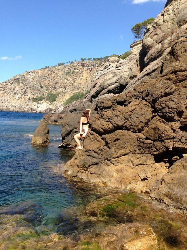 Posando por no meterme en el agua. Pero al final estaba muy buena! :)