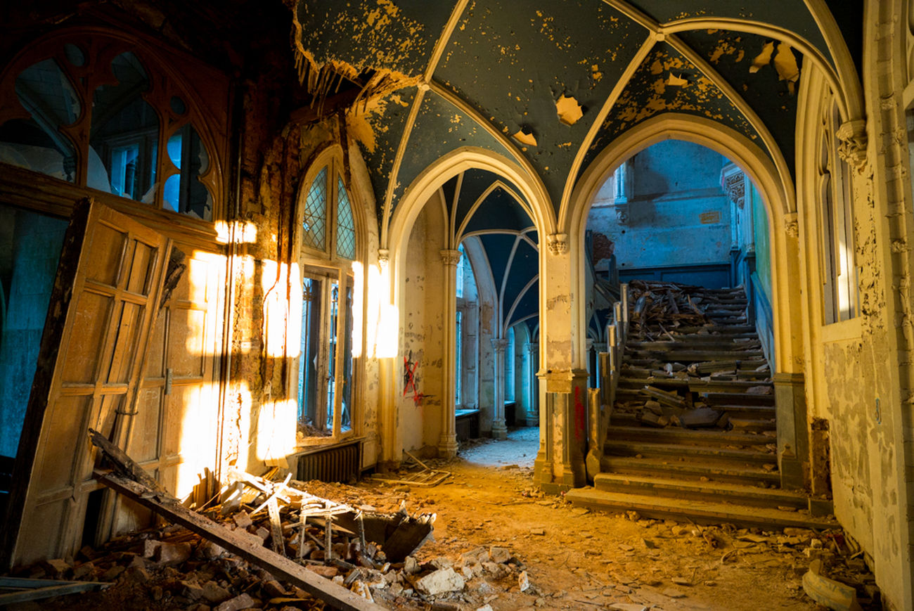 Belgium Chateaumiranda Urbanexploration Urbex Abondoned Places Colors Leicam240 21mm