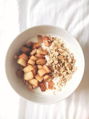 Greek Yogurt with apples and walnuts