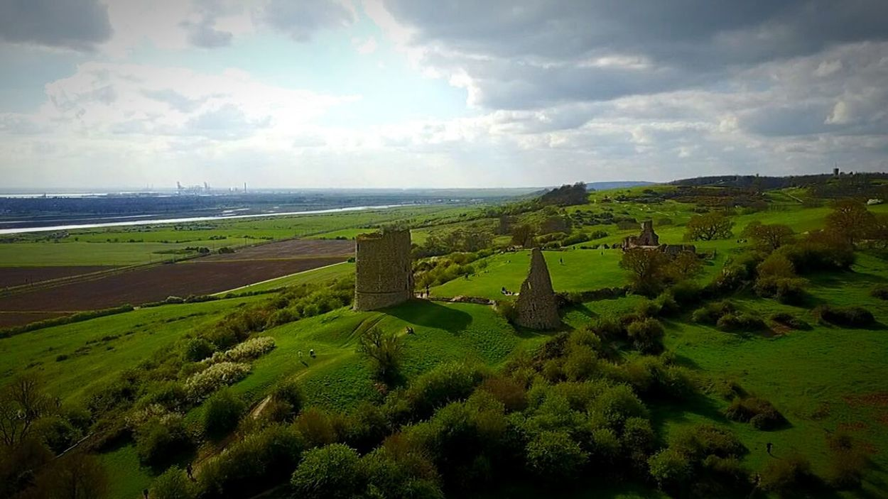 DJI Mavic Pro Drone  Dronephotography Mavic Pro Aerial Photography Essex EyeEm Best Shots Landscape Green Color Hadleigh Castle Hadleigh Country Park Lush Greenery