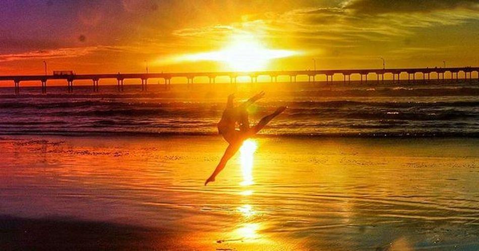 Because... I mean... I'm in San Diego for a Gymnastics Competition anyway OceanBeach Sunset Pier Oceanbeachpier Waves Igers Sandiego Newlybornphotographers Beautifulday Skyporn Usagymnastics Usag Justgoshoot Weownthelight Igersaz Azigers Igerssandiego Instagramsandiego Igsd Hashtagjoey