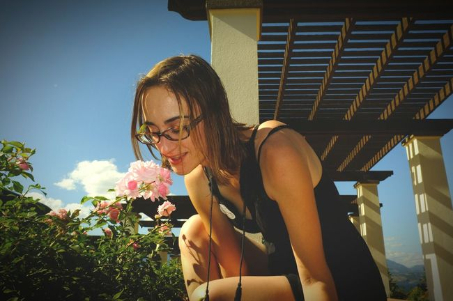 Summer Views stop and smell the roses. Travellingwithmylove Enjoying Life Lifeisgood Flowers, Nature And Beauty Prettygirl Flower Collection Taking It All In Travel Photography