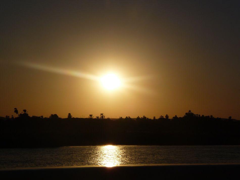 Egypte ´11 Coucher De Soleil Nature ExterieuréTranquilityqBeauté De La NaturenOrange Orange ColoreCalmerLumière Du Soleil Destination De Voyage MajestueuxeCieluIdylliqueyHalouSoleil soleil Finding New Frontiers