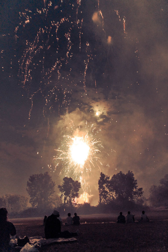Bursting Celebration Exploding Fireworks Fireworks Display Fireworks Show Leisure Activity Light Show Nighttime Non Urban Scene Outdoors Relaxing Summer Summertime Summertime Fun