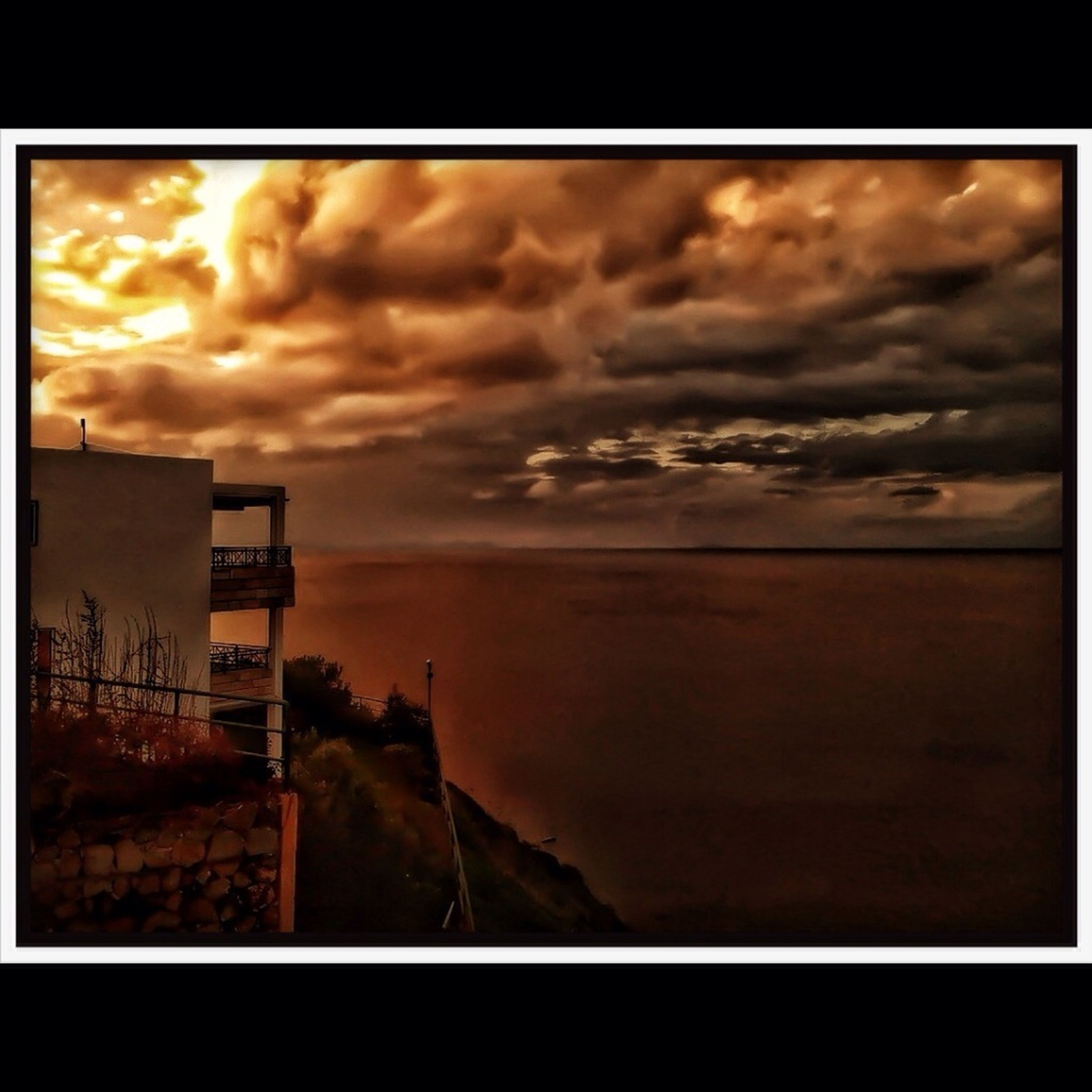 transfer print, auto post production filter, sea, sky, horizon over water, cloud - sky, water, scenics, sunset, beauty in nature, cloudy, tranquil scene, tranquility, nature, cloud, beach, idyllic, dramatic sky, overcast, storm cloud