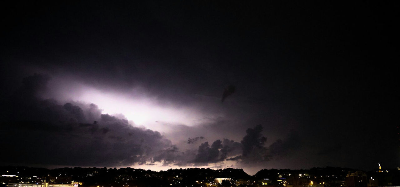 Lighting up some clouds Lightening Lighteningstrikes Lightening Storm Lightening Cloud Lightening Strike Lightening Bolt Light And Shadow Illumination Illuminated Strikening Sony A6000 Nightphotography EyeEm Best Shots EyeEm Best Edits Eyeforphotography Tripod Perfect Timing AdobeLightroom