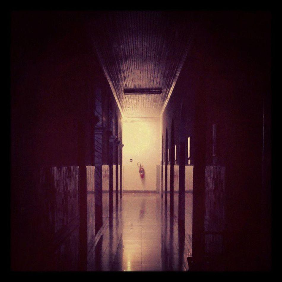 Corredor na Sta. Casa Misericórdia de Sobral-CE Hospital Light And Shadow Creative Light And Shadow Sobralcity Corridor