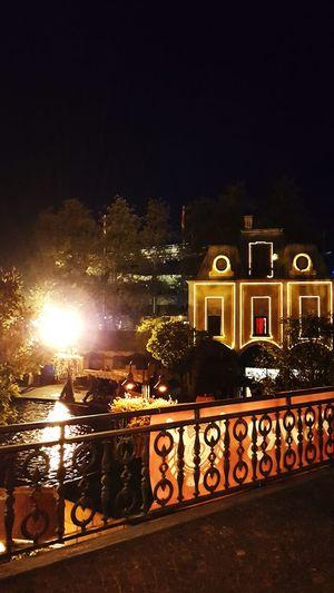 It looks so beautiful 💛 Night Tree Water Beautiful Day Halloween Europapark Halloween Horrors Europapark Rust Halloween🎃