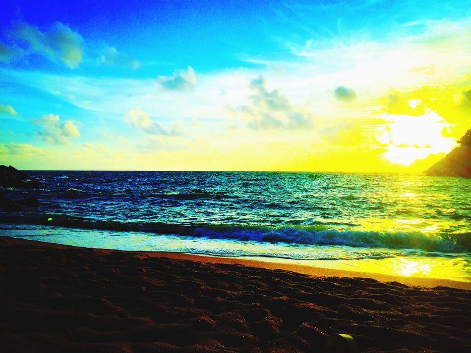 Morning sun lighting the sky #sky Lovers Thesun #Thailand goodtimes enjoying life Enjoysun Traveltheglobe Thailand Globetrotting Enjoyinglife  Followyourbliss Picoftheday First Eyeem Photo