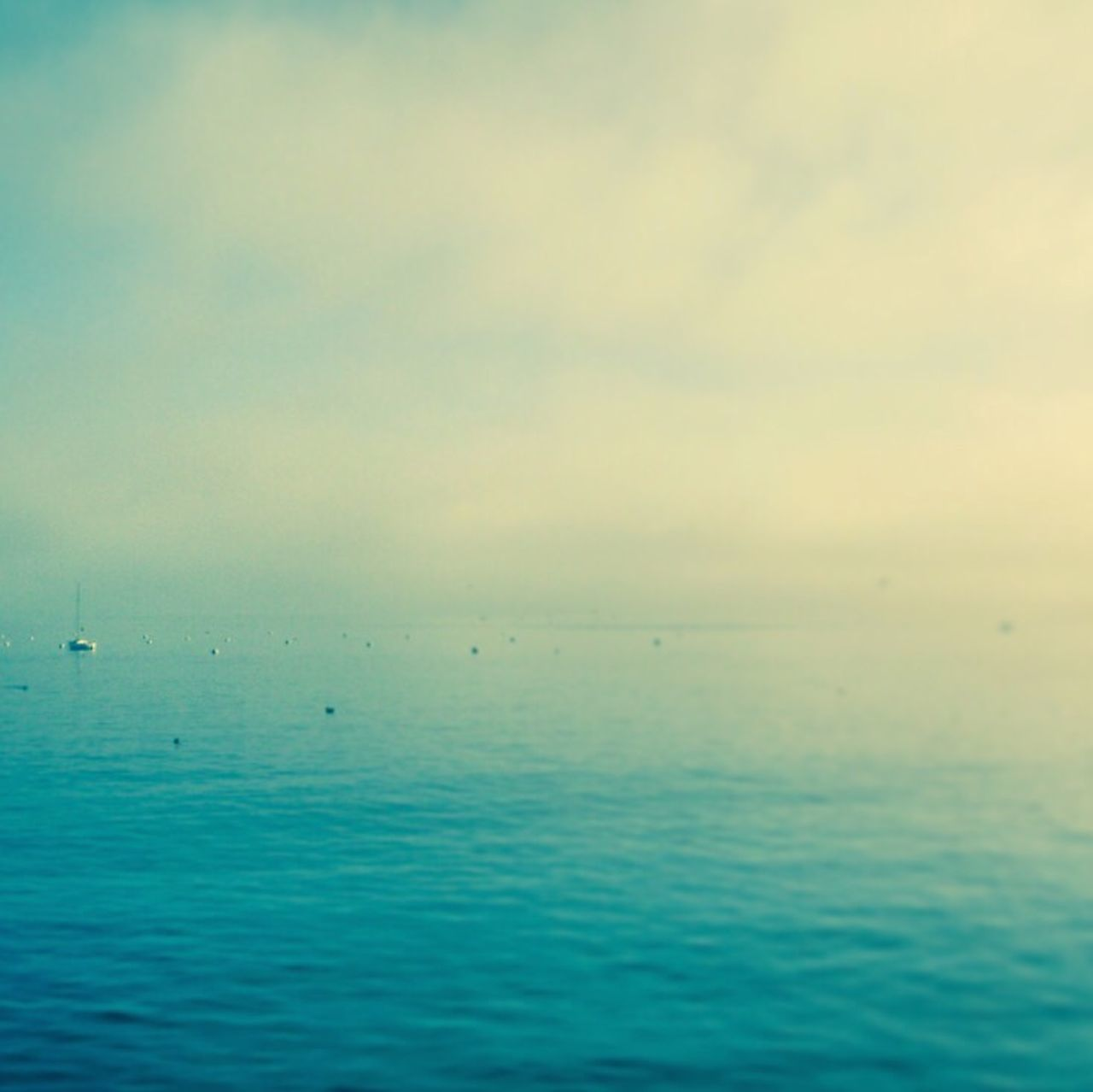 sea, water, tranquil scene, beauty in nature, tranquility, horizon over water, scenics, nature, waterfront, sky, idyllic, outdoors, no people, day