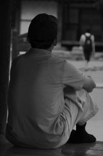 떠나간다... 잊혀진다... Dgr.Jinhan Portrait Black And White Streetphotography