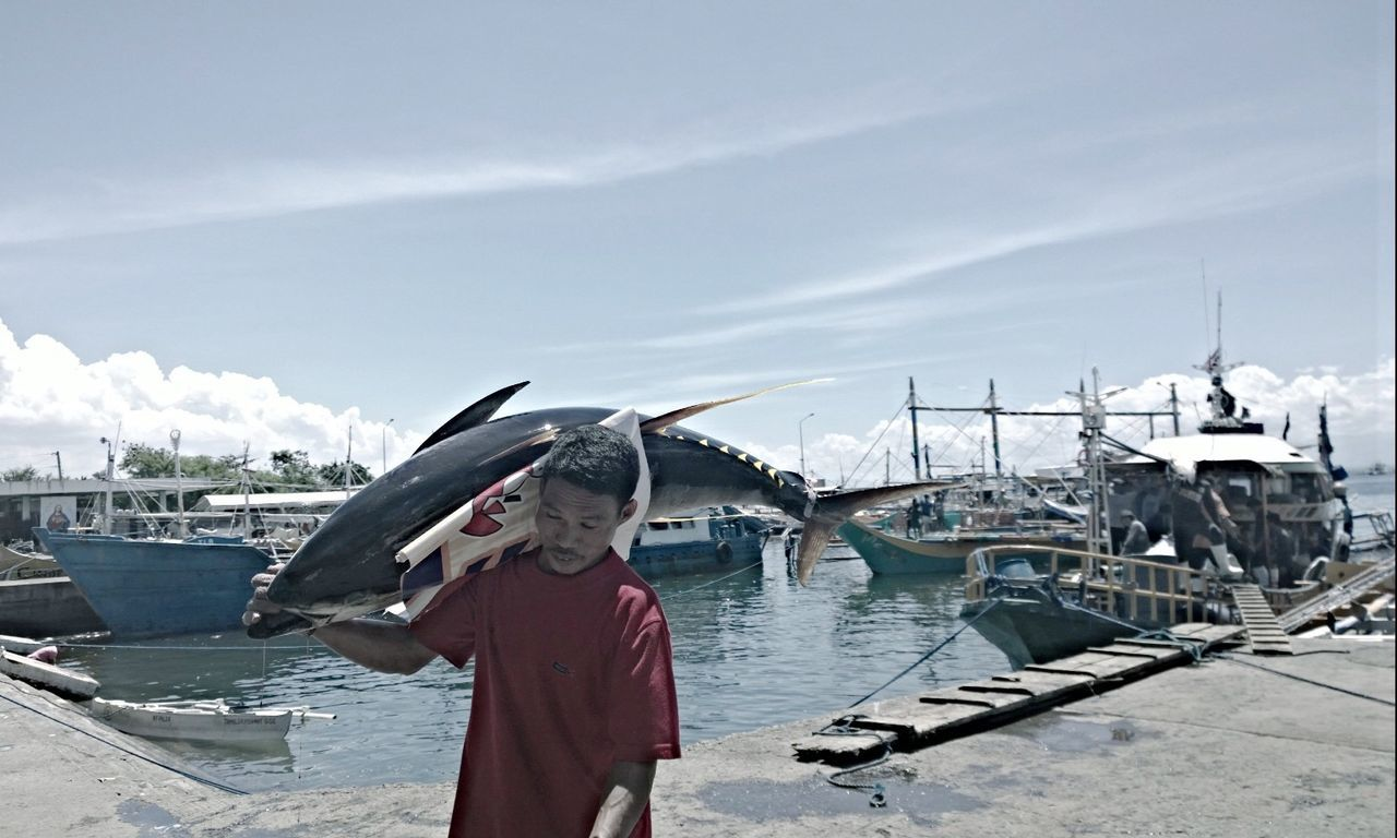 Tuna Tunafish Port Boat Hardwork Fisherman Working Hard Water Pacman Gensan