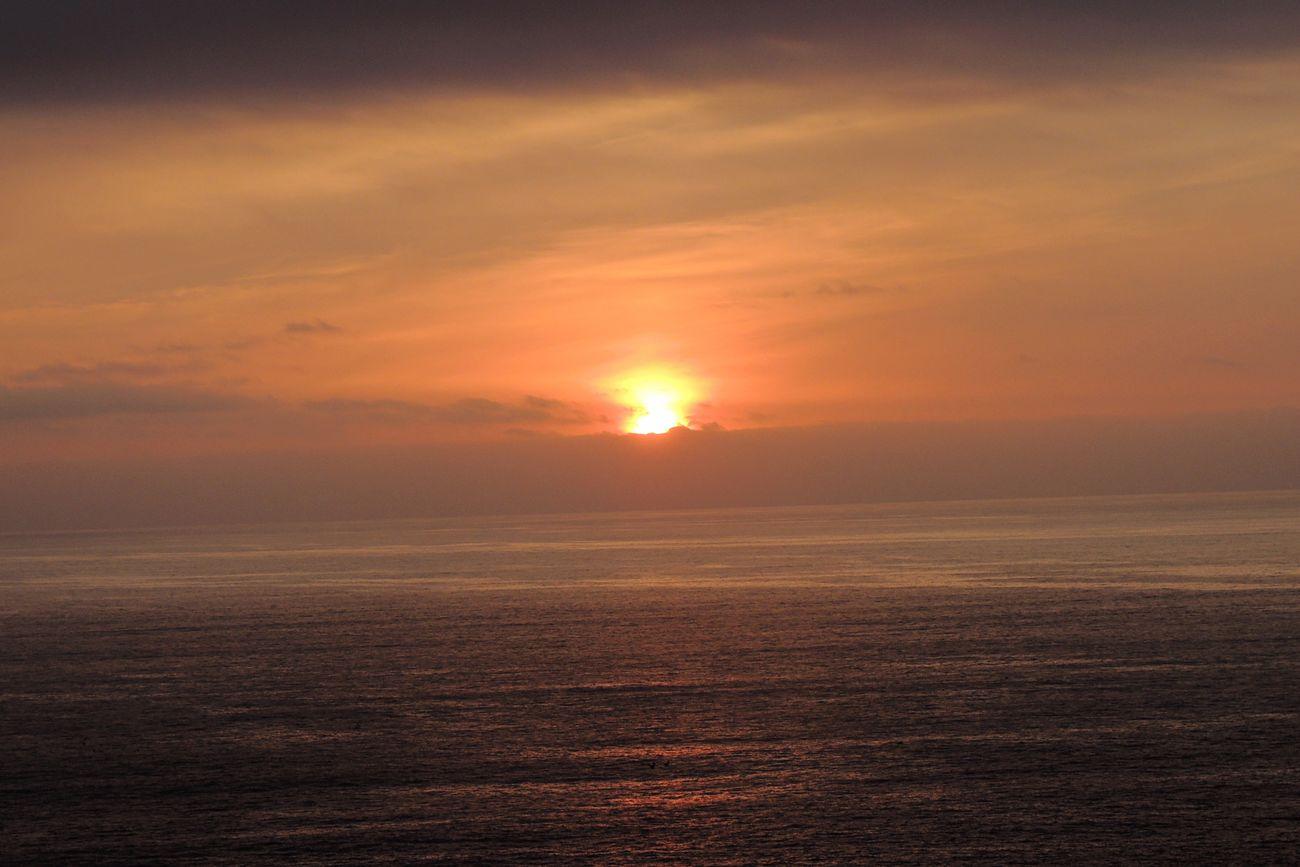 Sunset Today Sunset Sunset_collection Sunset And Sea Sunset_captures Sun Reflection Sunsetphotographs Beautiful Sunset Sunset #sun #clouds #skylovers #skyporn #sky #beautiful #sunset #clouds And Sky #beach #sun _collection #sunst And Clouds Sunset Light Sky Lovers Beautiful Sky In My City Reñaca Beach , Chile