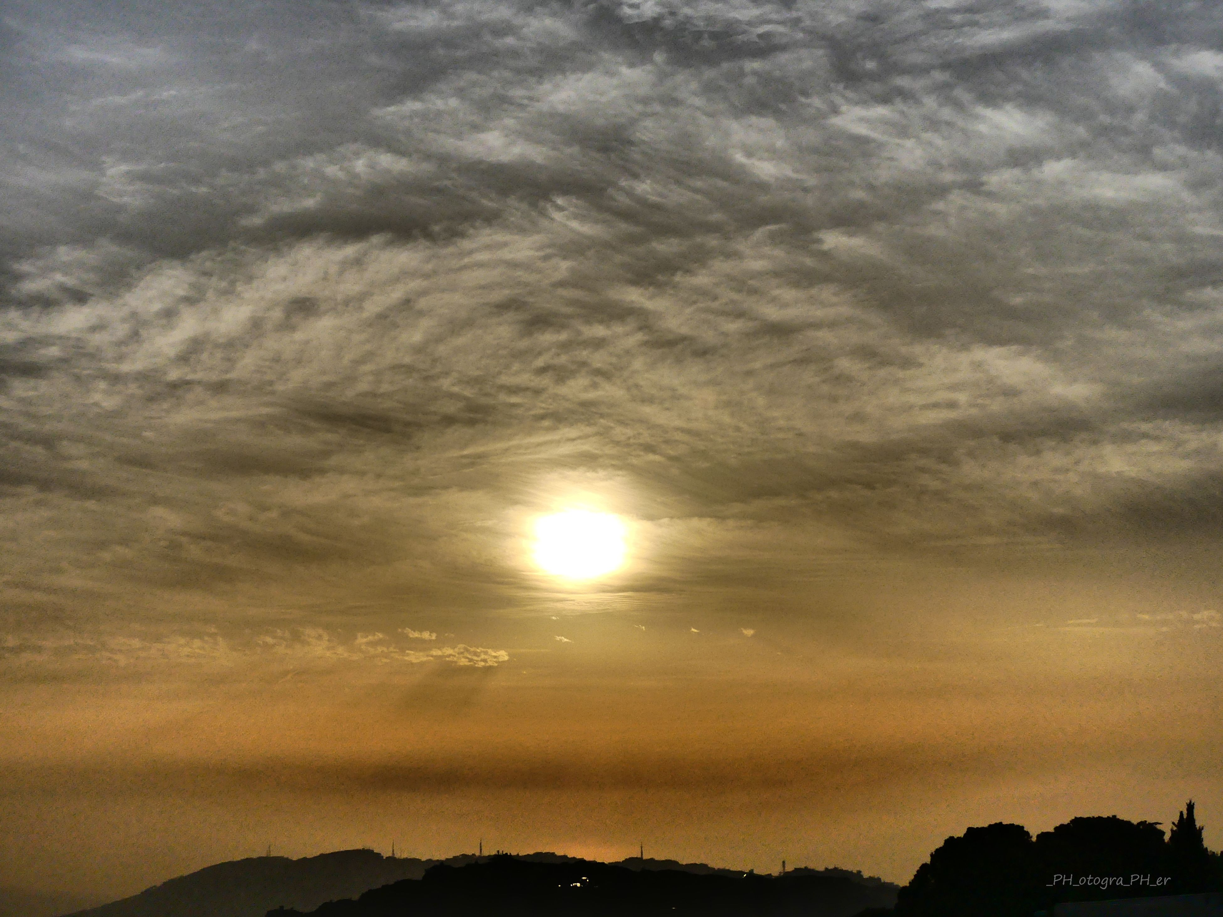 sunset, sky, nature, beauty in nature, sun, cloud - sky, scenics, no people, tranquility, low angle view, outdoors, tranquil scene, day