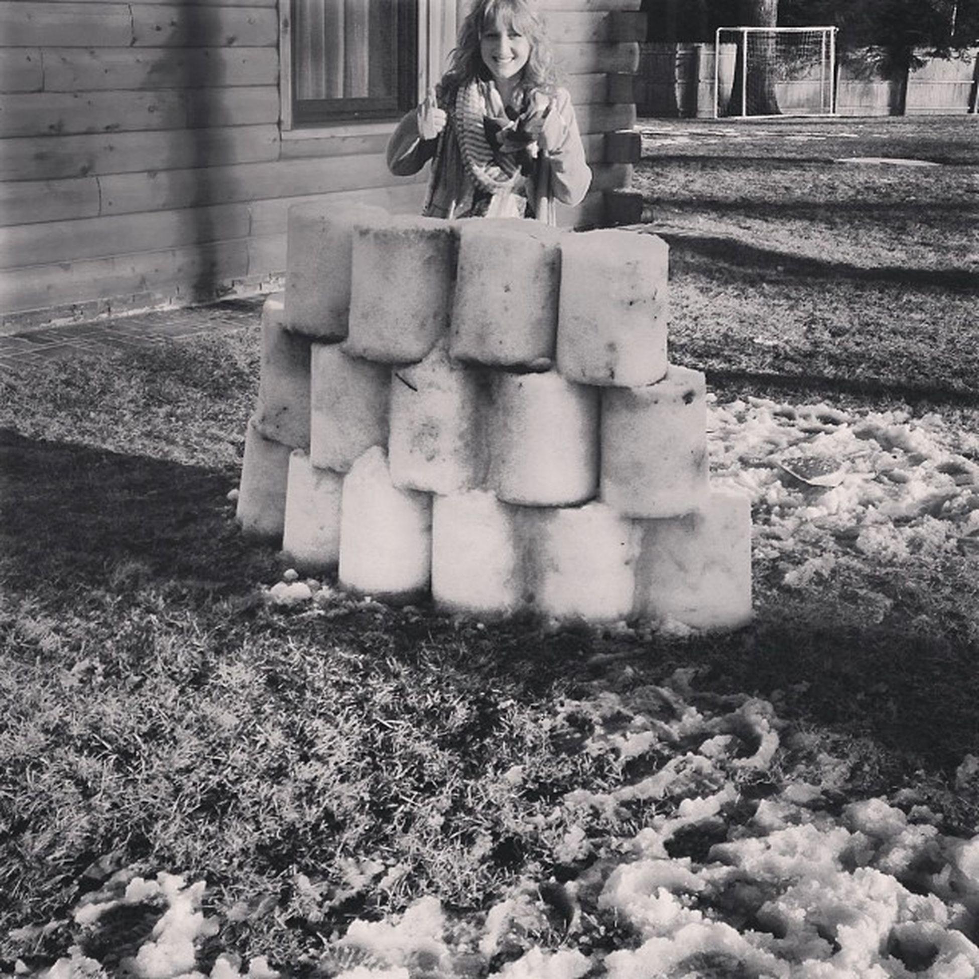 snowball war ❄️⛄️❄️ Hidingout