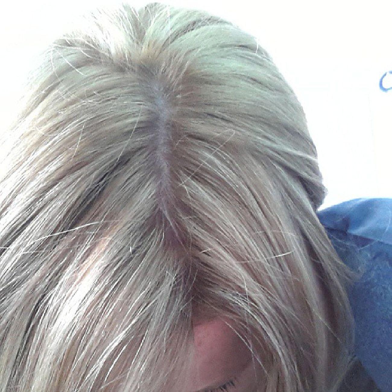 New hair colour! Love it! Thanks mum!!