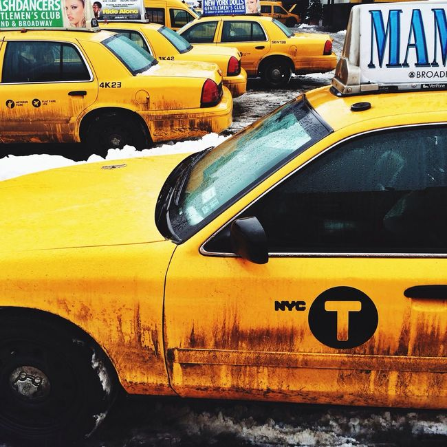 Taxi Dirty Walking Around Snow