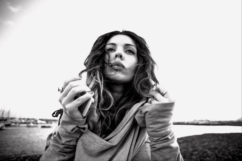 The Portraitist - 2016 EyeEm Awards Tenerife retrato Retrato Potrait Portrait Of A Woman Portraitist - 2016 Eyeem Awards Natural Light Portrait