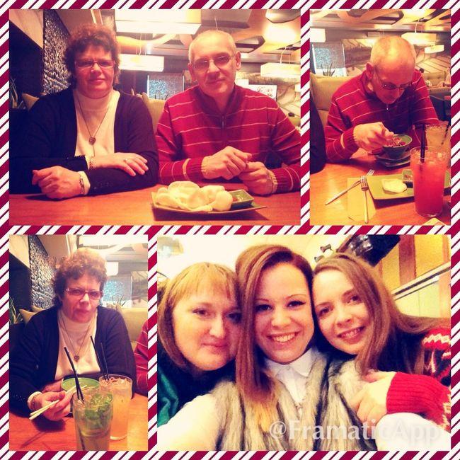 С семьей) в редкие моменты. семья родители ресторан мореэмоций