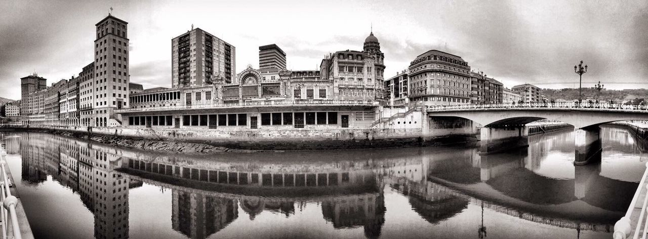 Bilbao Bizkaia Blackandwhite Blancoynegro Monochrome IPhoneography Mobilephotography Movilgrafias Vizcaya Ivantxos