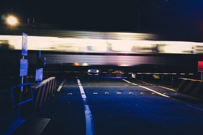 Paso a nivel. Tokyo Nights Tokyo Tokyo,Japan Japan Train Nightphotography Night Urban Atmosphere Night Photography