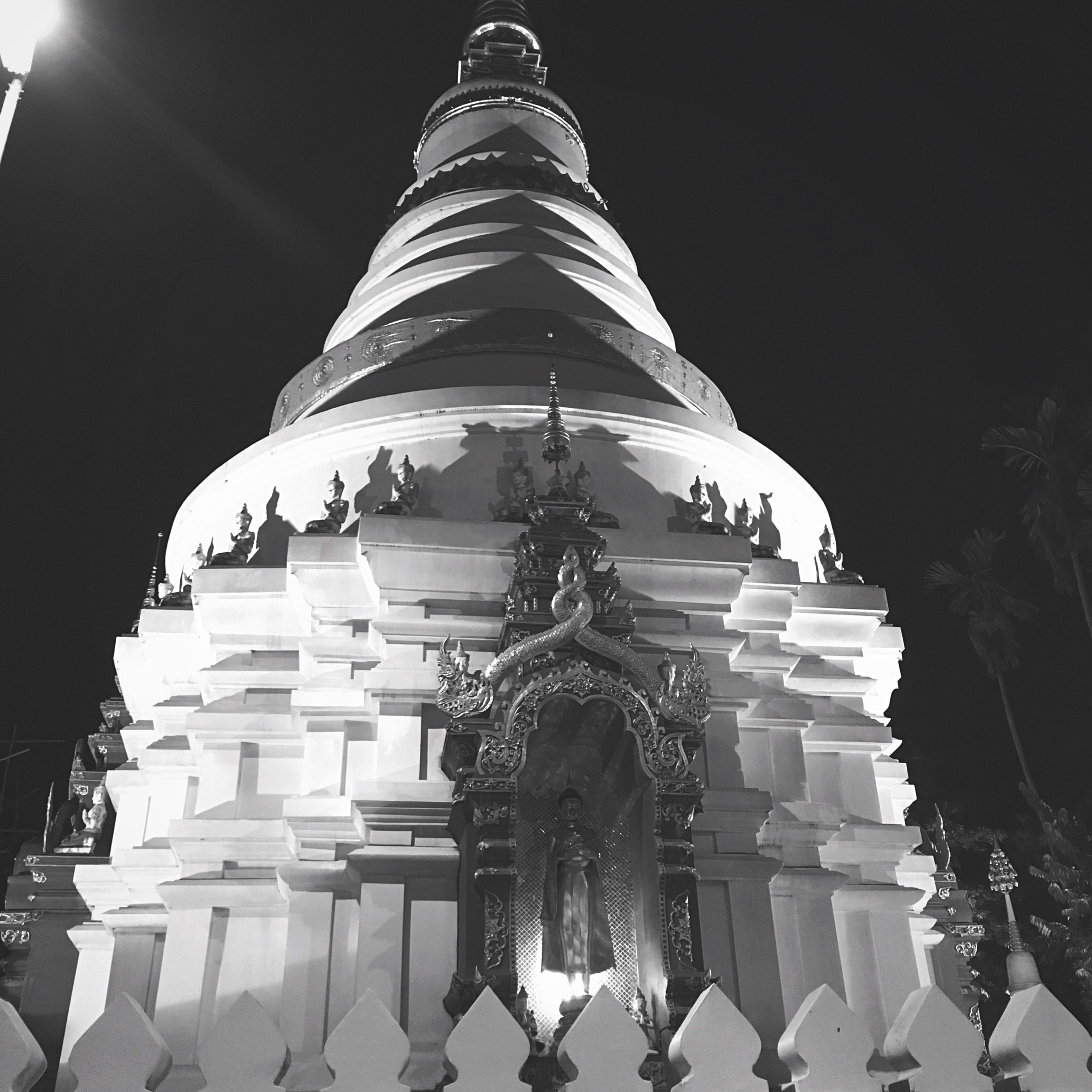 architecture, built structure, building exterior, low angle view, famous place, place of worship, religion, spirituality, travel destinations, architectural feature, illuminated, night, tourism, international landmark, pattern, clear sky, dome, city, history, travel