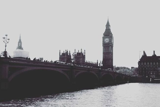 """""""To achieve great things, two things are needed; a plan, and not quite enough time """" Bigben London Londoncity Citylife Cityview Travel Travelgram Traveling Traveltheworld Ig_london Ig_londonphotographers Londoncity"""