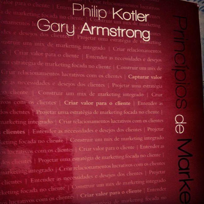 Extremamente envolvido e apaixonado por Kotler. Instaphotos Philipkloter Mkt