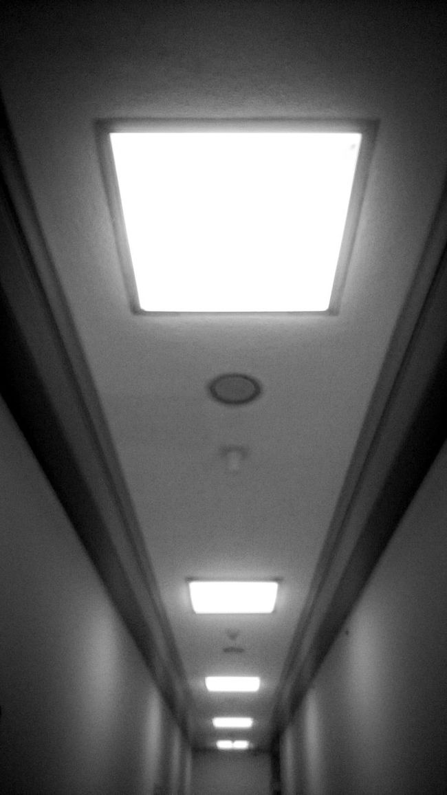 Hallway... Randomshot Hallway Lights Walls Black & White Black And White Photography Justashot Quick Shot B&w Architecture Building Interior Old Building  Inanimate Walking Around What I See Afternoonshot Blackandwhite Buildingphotography Lights Illuminated Hallway