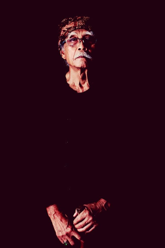 Vintage Oldfriends Newbie! Brito Black Background Studio Shot Legend Tokohmasyarakat Publicfigure Sundanese Sundanese Culture Sundanese Style The Potraitist - 2015 EyeEm Awards