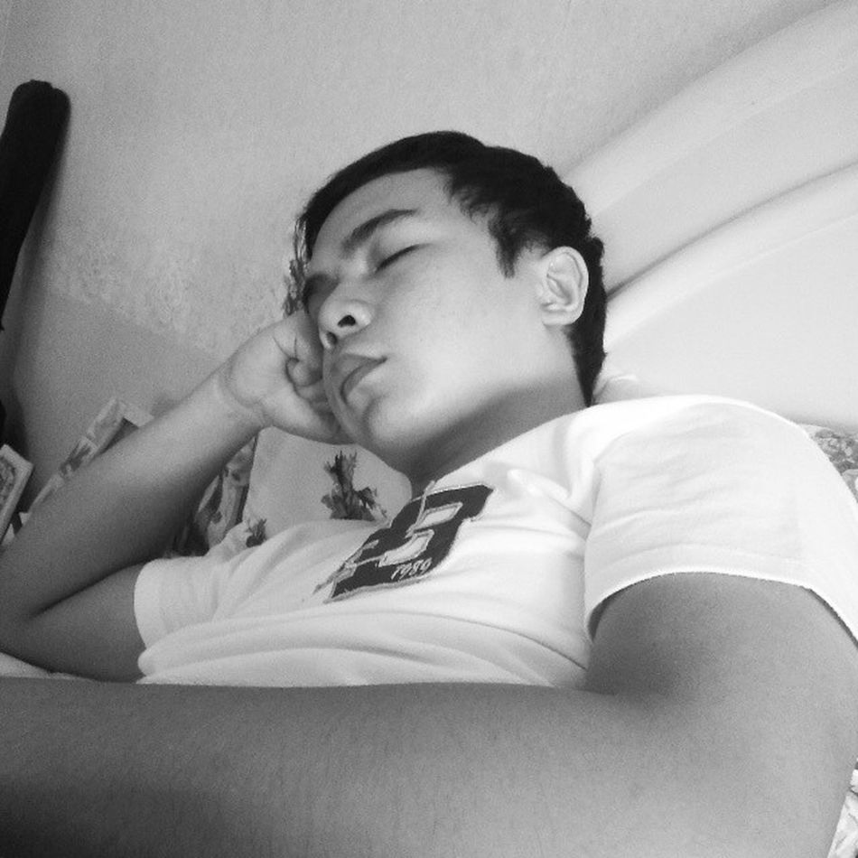 After Boardexam Restmode late awakening? Lol i dont know the word. I just wake up late! Tired Mentallyandphysically whattodo blackandwhite periodsofrest